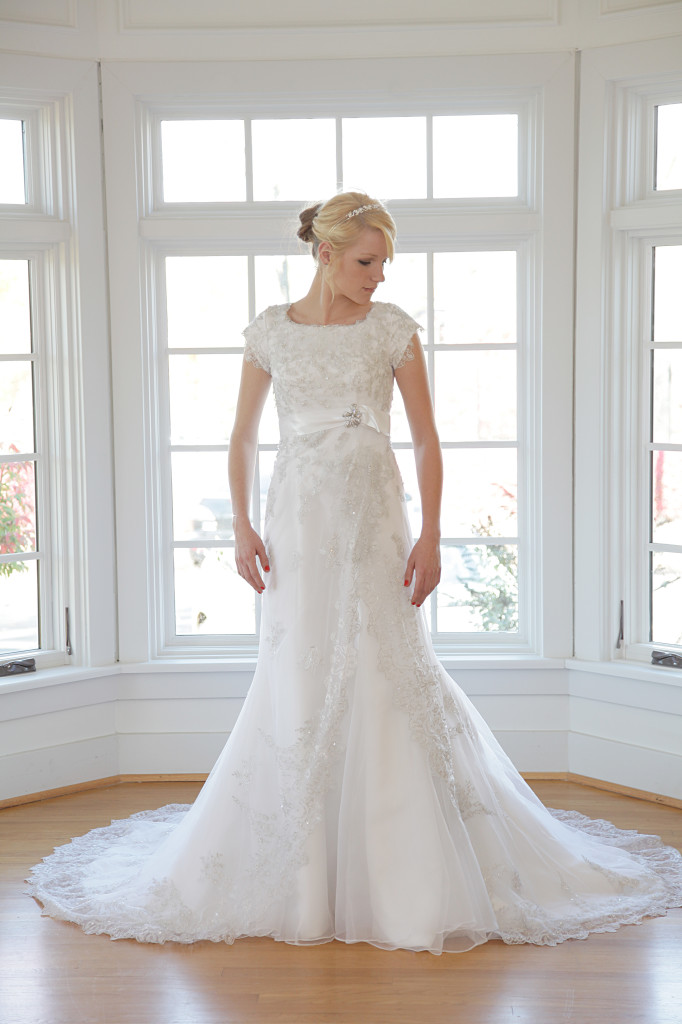 Lourie_weddingdress (3)